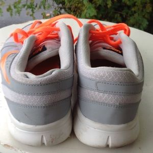 Nike Shoes - Mens Nike sneakers.